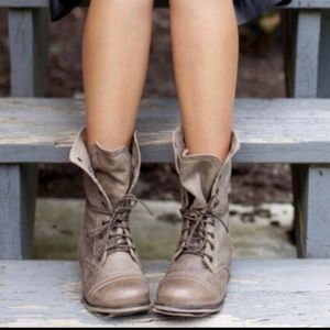 Steve Madden Troopa Boots olive/brown